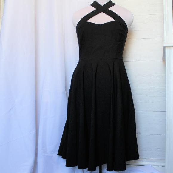 f088043ad Unique Vintage Criss Cross Halter Rita Dress. M 5b8339547386bcb5fe810c2a